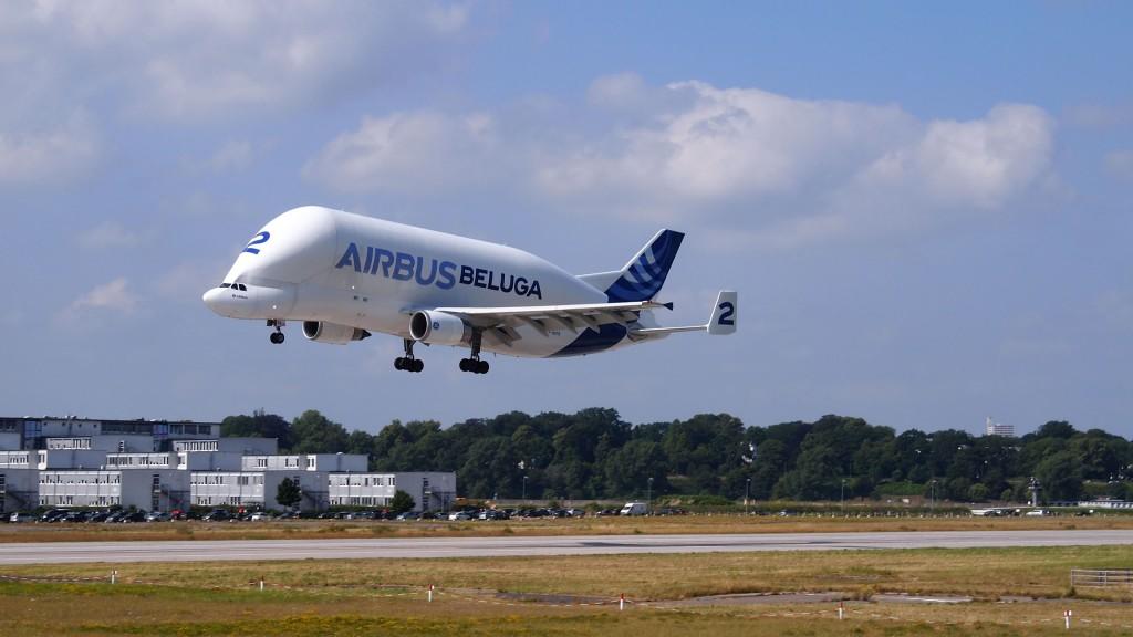 Beluga en atterrissage à Airbus Hambourg